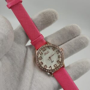 New collection ladies fashion watch with stylish straps